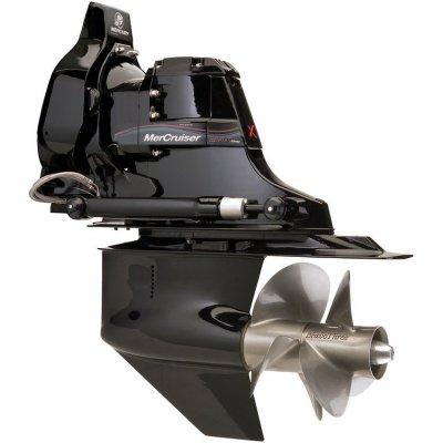 Двигатель MerCruiser 8.2 MAG с поворотно-откидной колонкой Bravo 3 X
